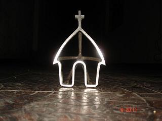 La nueva capilla, con la marca de Carlitos