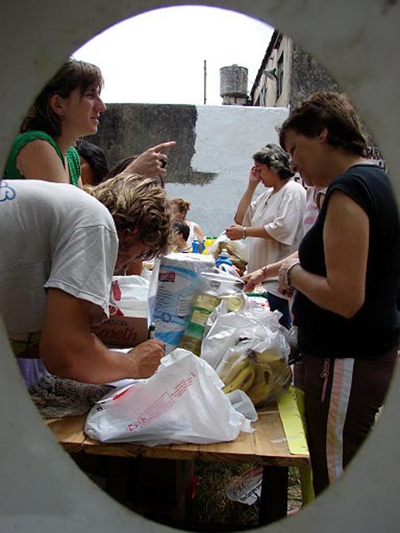 """Ferias de alimentos al costo: """"Contra el hambre y la inflación"""""""