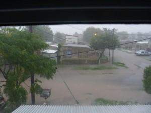 Inundación en Los Hornos. Foto Blanca Suárez