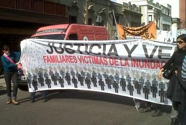 Tras la tensa reunión con Scioli, los inundados realizarán su quinta marcha en La Plata
