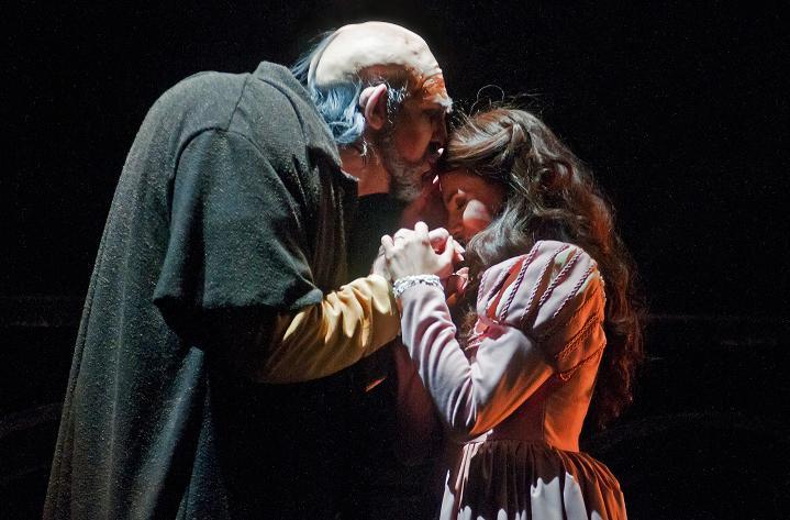 126-Opera-Rigoletto