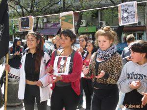 A un mes del asesinato familiares y amigos realizaron una marcha acompañados por la CORREPI.