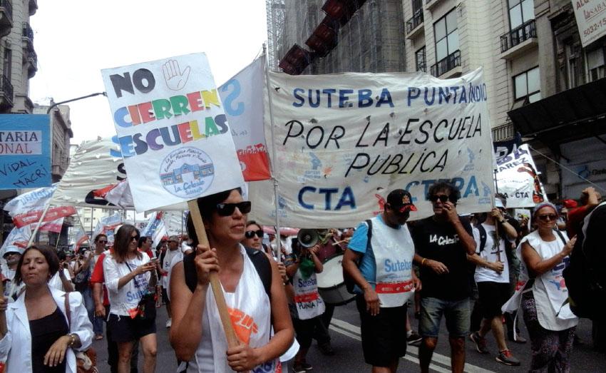"""Plan oficial para """"optimizar"""" la educación: cerrar escuelas públicas"""