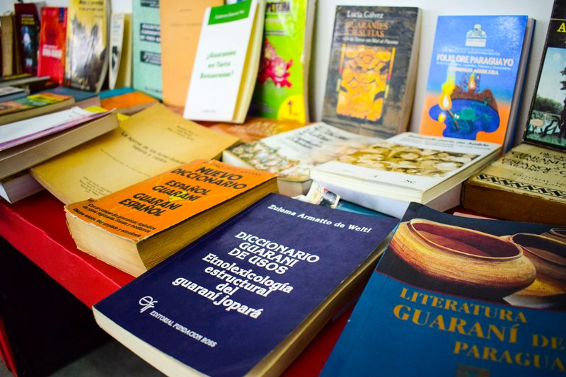 Lenguajes originarios: las palabras, las costumbres y las cosas
