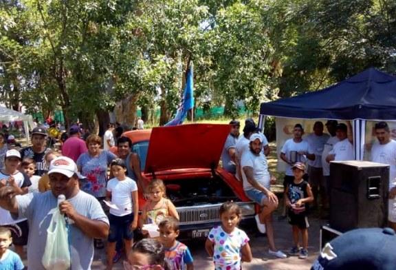 Exposición de autos por los Pibes