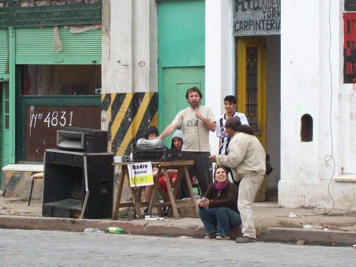 Medios: La Charlatana