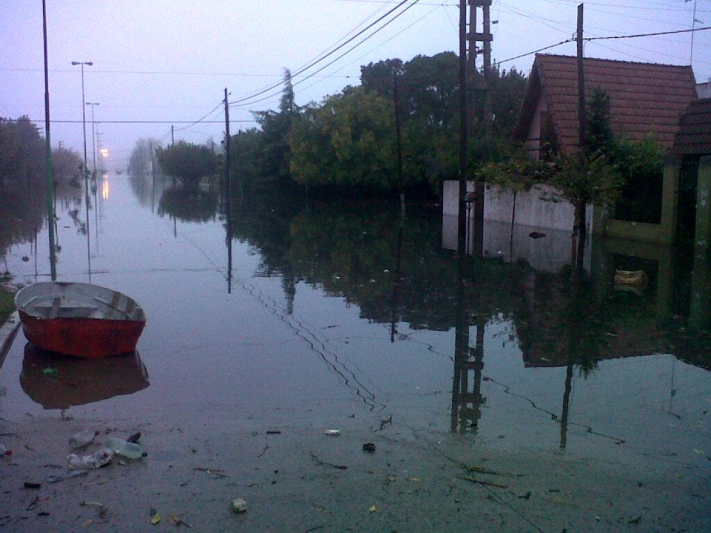 Inundación: el 911 no informa al juez y culpa a Edelap y Telefónica