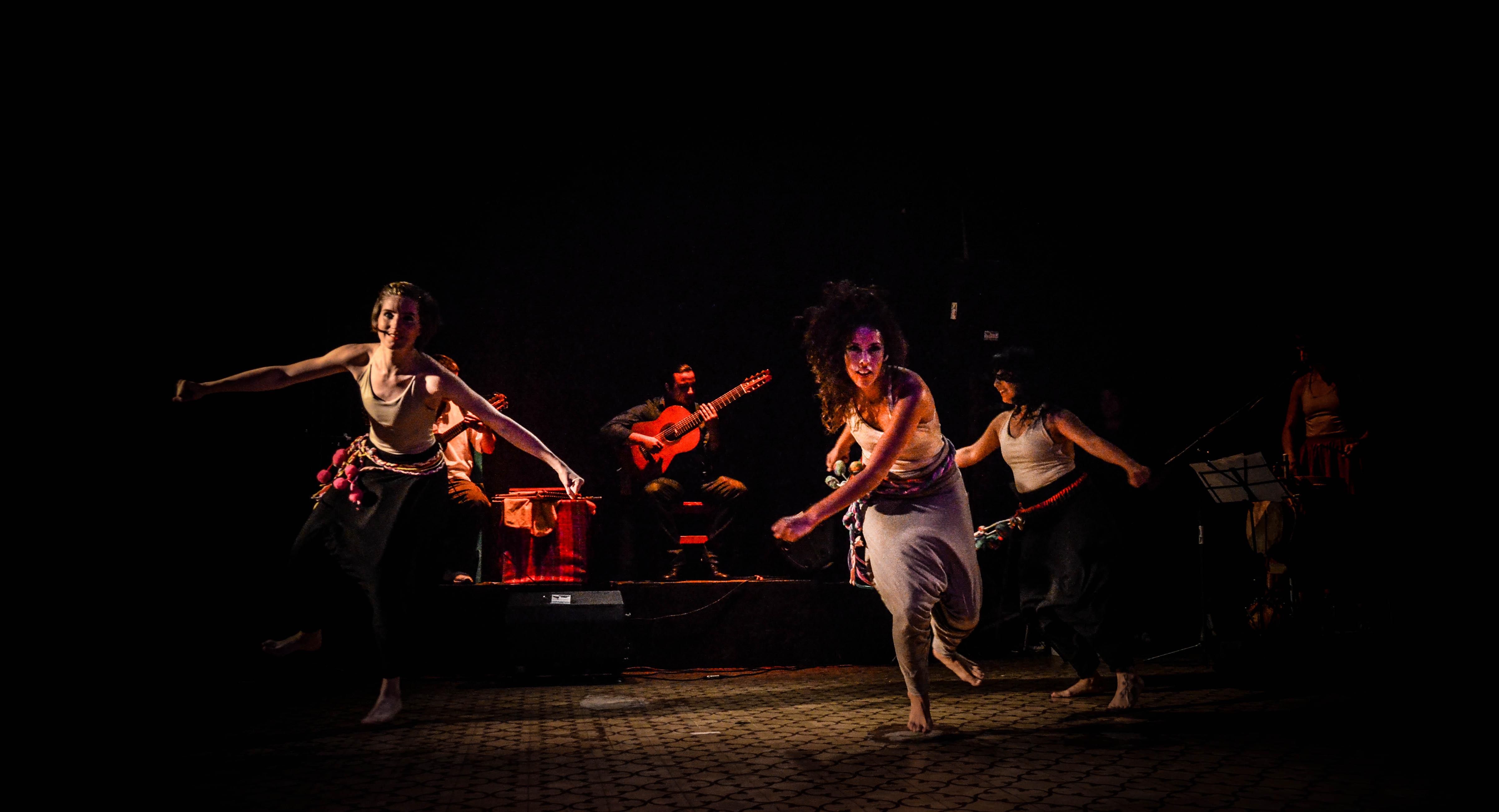 Zambaigos: Folclore en movimiento