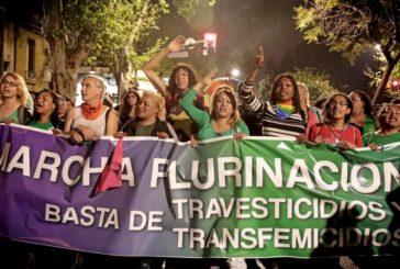 La marcha contra los travesticidios y transfemicidios